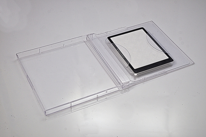 Glass-LCD-Protector-DomVarney-2008