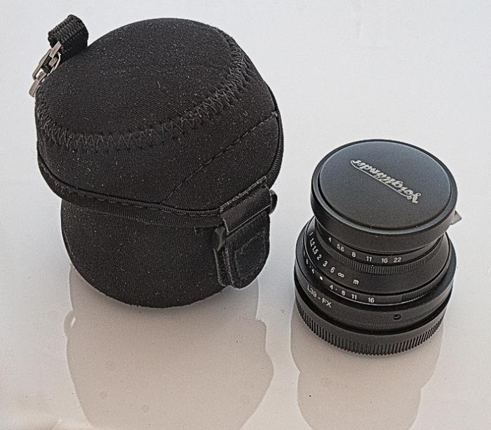 Voigtlander-25mm_Snapshot-Skopar-DomVarney-2009