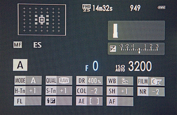 XE2-Info-Display-DomVarney-2038